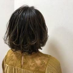 ナチュラル ハイライト ボブ アッシュグレージュ ヘアスタイルや髪型の写真・画像