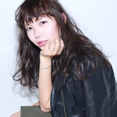 イルミナカラー 前髪あり セミロング ナチュラル ヘアスタイルや髪型の写真・画像