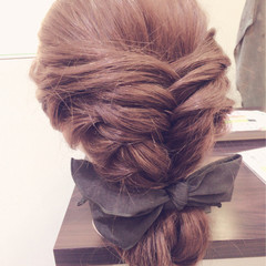 編み込み ヘアアレンジ セミロング まとめ髪 ヘアスタイルや髪型の写真・画像