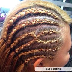 編み込み ストリート セミロング コーンロウ ヘアスタイルや髪型の写真・画像