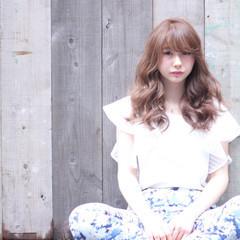 グラデーションカラー 大人かわいい セミロング 外国人風 ヘアスタイルや髪型の写真・画像