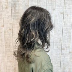セミロング 3Dハイライト ナチュラル ホワイトアッシュ ヘアスタイルや髪型の写真・画像