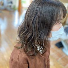 アディクシーカラー 透明感カラー グレージュ アッシュベージュ ヘアスタイルや髪型の写真・画像