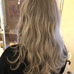 ミルクグレージュ アッシュグレージュ モード グレージュ ヘアスタイルや髪型の写真・画像