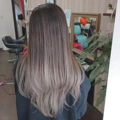 ミルクティーベージュ ロング ガーリー グラデーションカラー ヘアスタイルや髪型の写真・画像