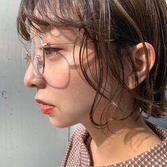 レイヤースタイル ミルクティーベージュ ミニボブ ナチュラルベージュ ヘアスタイルや髪型の写真・画像