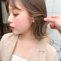 ボブ シアーベージュ インナーカラー ストリート ヘアスタイルや髪型の写真・画像