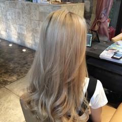 ホワイトアッシュ 外国人風 ブリーチ ホワイト ヘアスタイルや髪型の写真・画像