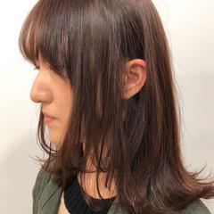 チェリーピンク ミディアム 切りっぱなしボブ チェリーレッド ヘアスタイルや髪型の写真・画像