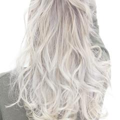 アッシュ 外国人風 ダブルカラー ストリート ヘアスタイルや髪型の写真・画像