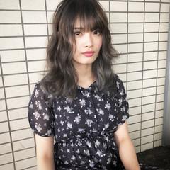 ミディアム ナチュラル 外国人風 バレイヤージュ ヘアスタイルや髪型の写真・画像