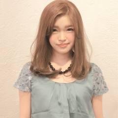 セミロング 大人かわいい フェミニン ゆるふわ ヘアスタイルや髪型の写真・画像