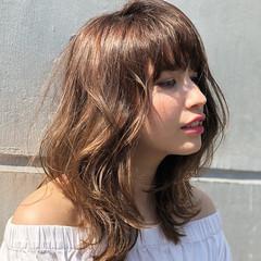 レイヤーカット デート 大人ミディアム ミディアムレイヤー ヘアスタイルや髪型の写真・画像
