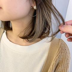 アンニュイほつれヘア インナーカラーホワイト インナーカラー デート ヘアスタイルや髪型の写真・画像