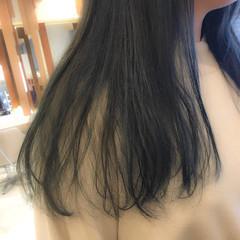 ホワイトハイライト アンニュイほつれヘア セミロング ナチュラル ヘアスタイルや髪型の写真・画像