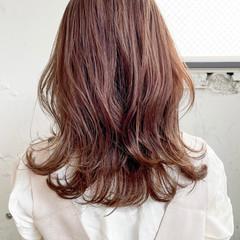 透明感カラー デジタルパーマ レイヤーカット ナチュラル ヘアスタイルや髪型の写真・画像