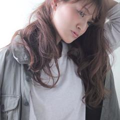 ウェーブ セミロング ルーズ 抜け感 ヘアスタイルや髪型の写真・画像