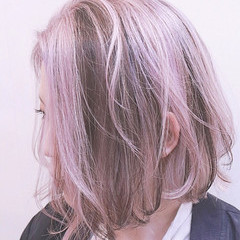 バレイヤージュ ピンク ストリート ボブ ヘアスタイルや髪型の写真・画像