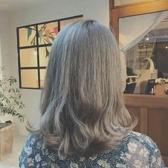 透明感 ハイライト 冬 外ハネ ヘアスタイルや髪型の写真・画像