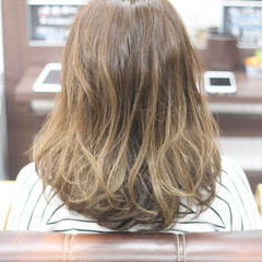 ガーリー ゆるふわ ミディアム 圧倒的透明感 ヘアスタイルや髪型の写真・画像