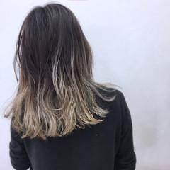 モード 外国人風 セミロング シルバー ヘアスタイルや髪型の写真・画像