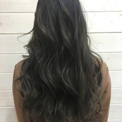 ナチュラル 暗髪 ハイライト アッシュ ヘアスタイルや髪型の写真・画像