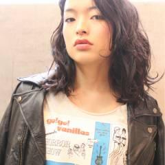 黒髪 ワンレングス パンク ウェットヘア ヘアスタイルや髪型の写真・画像