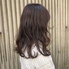 アッシュベージュ ガーリー ロング ピンクアッシュ ヘアスタイルや髪型の写真・画像