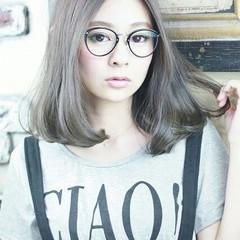 アッシュ ハイライト 外国人風 フェミニン ヘアスタイルや髪型の写真・画像