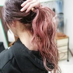 ハイトーンカラー バレイヤージュ チェリーレッド ピンク ヘアスタイルや髪型の写真・画像