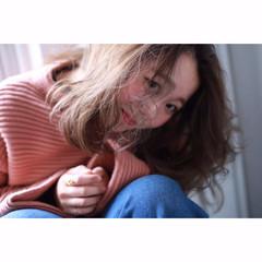 色気 抜け感 ハイトーン ミディアム ヘアスタイルや髪型の写真・画像