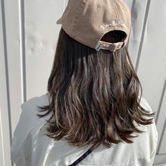 セミロング ブリーチなし アッシュグレージュ 透明感 ヘアスタイルや髪型の写真・画像