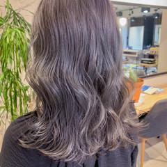 ラベンダー ミディアム ハイトーンカラー フェミニン ヘアスタイルや髪型の写真・画像