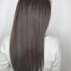 アッシュ 上品 ロング トリートメント ヘアスタイルや髪型の写真・画像