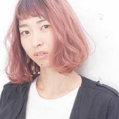 ボブ ブラウン ピンク 外国人風 ヘアスタイルや髪型の写真・画像