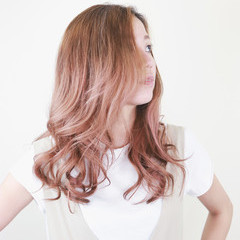 外国人風カラー 透明感カラー エレガント ブリーチカラー ヘアスタイルや髪型の写真・画像