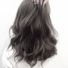 ミディアム イルミナカラー 黒髪 ゆるふわ ヘアスタイルや髪型の写真・画像