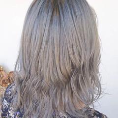 シルバー グレージュ アッシュ 外国人風 ヘアスタイルや髪型の写真・画像