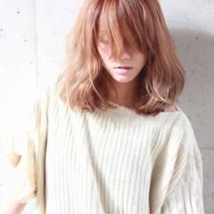 秋 ストレート ナチュラル ミディアム ヘアスタイルや髪型の写真・画像