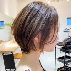 インナーカラー ショート アウトドア ナチュラル ヘアスタイルや髪型の写真・画像