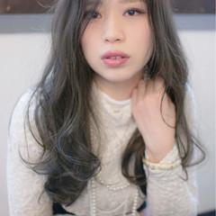 ブルージュ 大人かわいい ロング フェミニン ヘアスタイルや髪型の写真・画像
