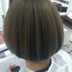 ハイトーン ガーリー ボブ インナーカラー ヘアスタイルや髪型の写真・画像