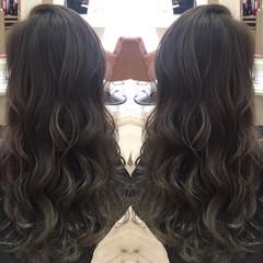 グラデーションカラー 暗髪 ロング ナチュラル ヘアスタイルや髪型の写真・画像