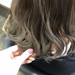 波ウェーブ ボブ ハイライト 切りっぱなし ヘアスタイルや髪型の写真・画像