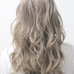 外国人風カラー ロング イルミナカラー モード ヘアスタイルや髪型の写真・画像