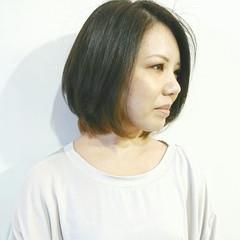 アッシュグレー マット インナーカラー ボブ ヘアスタイルや髪型の写真・画像