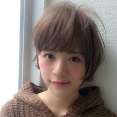 大人かわいい くせ毛風 大人女子 グレージュ ヘアスタイルや髪型の写真・画像