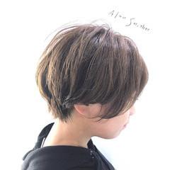 ヌーディベージュ ショート ナチュラル アッシュベージュ ヘアスタイルや髪型の写真・画像