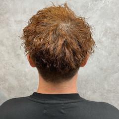 ナチュラル メンズパーマ メンズ メンズカット ヘアスタイルや髪型の写真・画像