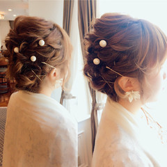 ヘアピン 春 ヘアアレンジ フェミニン ヘアスタイルや髪型の写真・画像